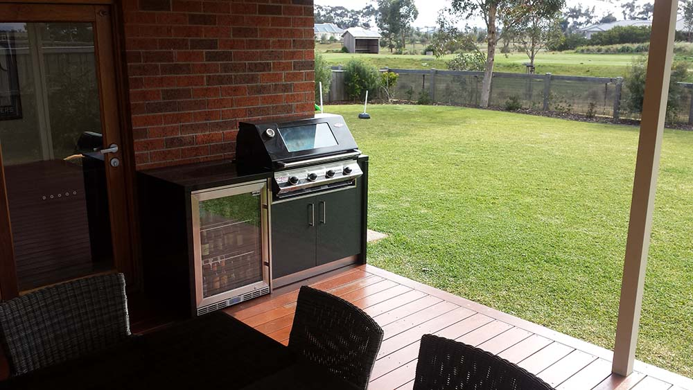 Outdoor-kitchen-melbourne-eynesbury-2
